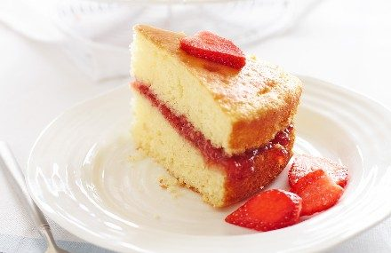 Streamline Less Sugar Strawberry Jam Victoria Sponge
